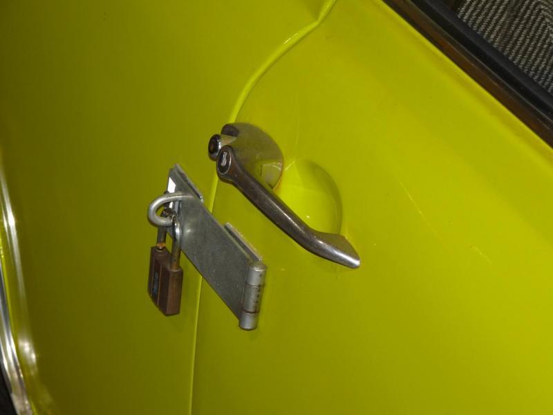 Astuce de Mr Bean pour protéger sa voiture...
